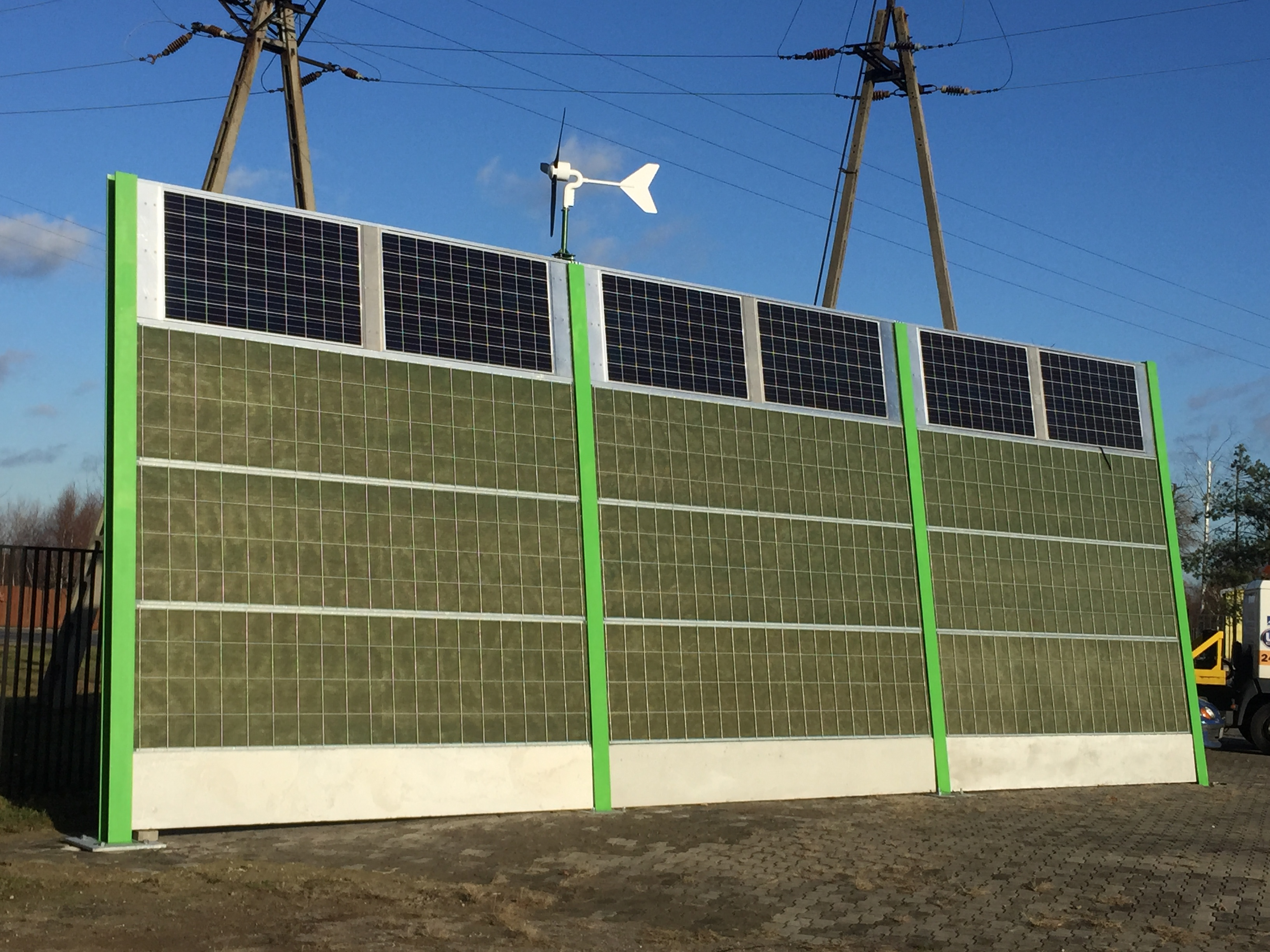 Seminary Quot Application Of Photovoltaics In Noise Barriers
