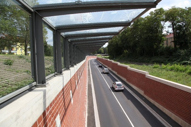 "Noise protection in form of overhead glazing at ""Aschaffenburg Rail Ring"""